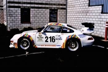 Nice La 993 Marque La Dernière Réalisation De Porsche Pour Les Moteurs à Air. La  GT2 Est Le Modèle Compétition De La GT1. Présentée à 430cv, Elle A été  évoluée ...